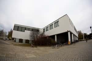 Yliopiston L-rakennuksen ensi syksylle suunniteltu remontti hätistää opiskelijat ja kuntoilijat muihin tiloihin.