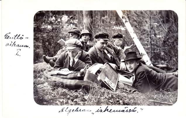 Myös retkellä opiskeltiin 1920-luvun alkupuolella.