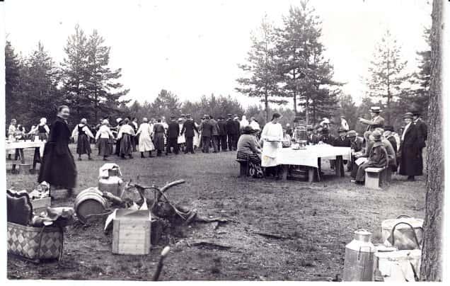 Seminaarilaisten syysretki Roninmäelle 1924.
