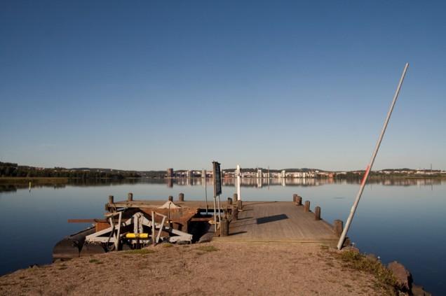 Vaikka seuraavan lehden deadline puskee jo kovaa vauhtia päälle niin tämänpäiväinen peilityyni jyväsjärvi oli pakko ikuistaa kennolle.